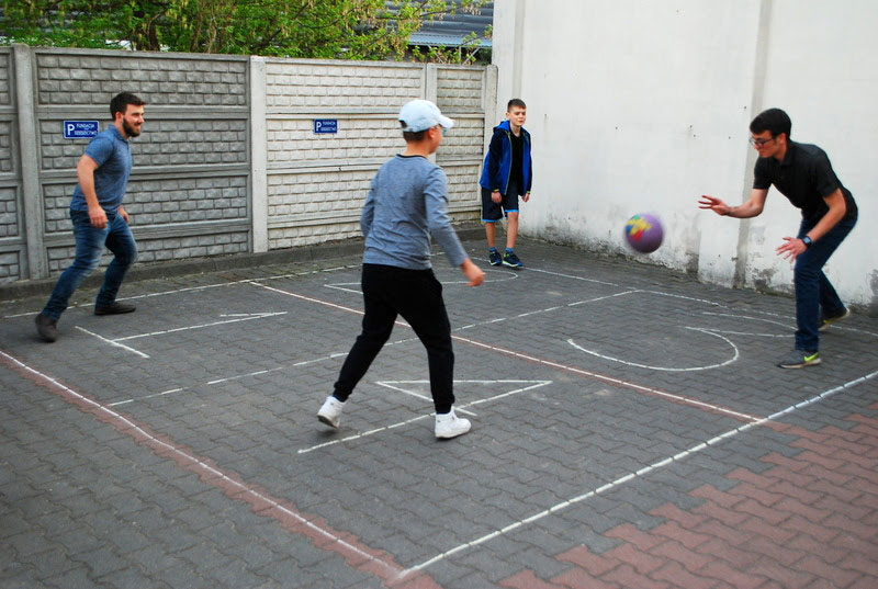 Four-square game with GTE staff