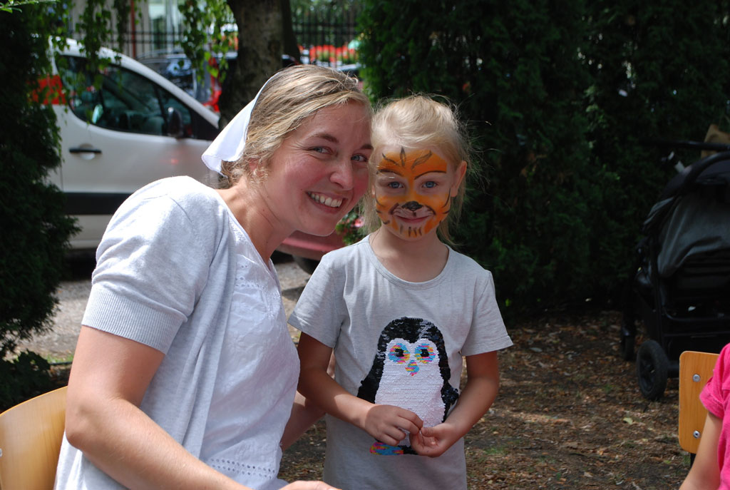 Face painting during day camp